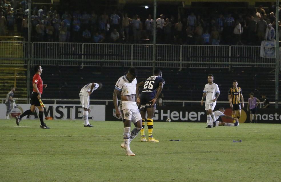 Final da partida entre Grêmio e Rosário  — Foto: Eduardo Moura