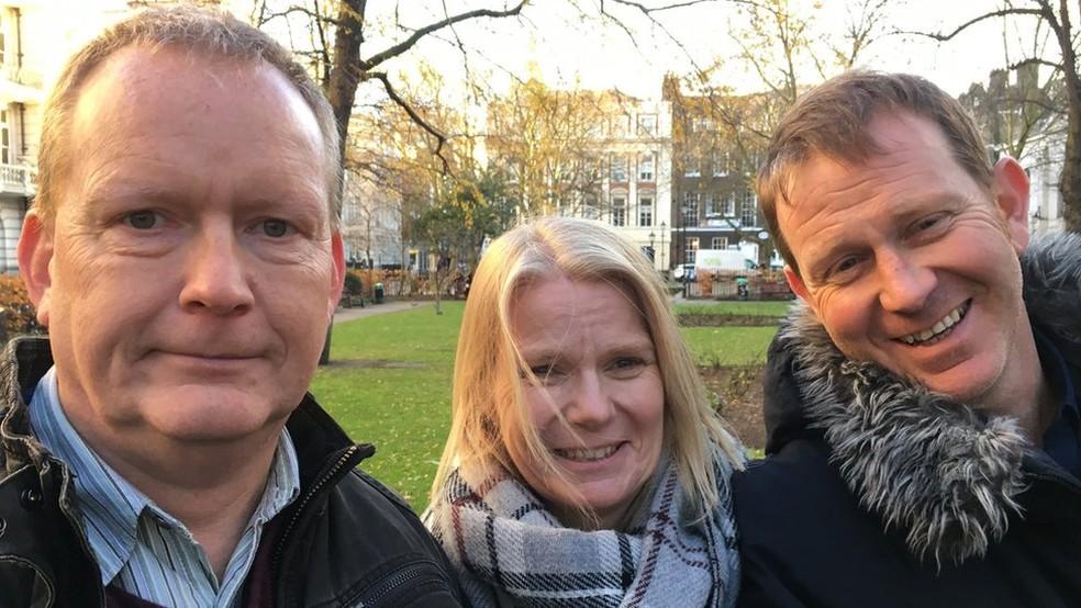 Peter tem doença Huntington e seus irmãos Sandy e Frank também têm o gene (Foto: James Gallagher)