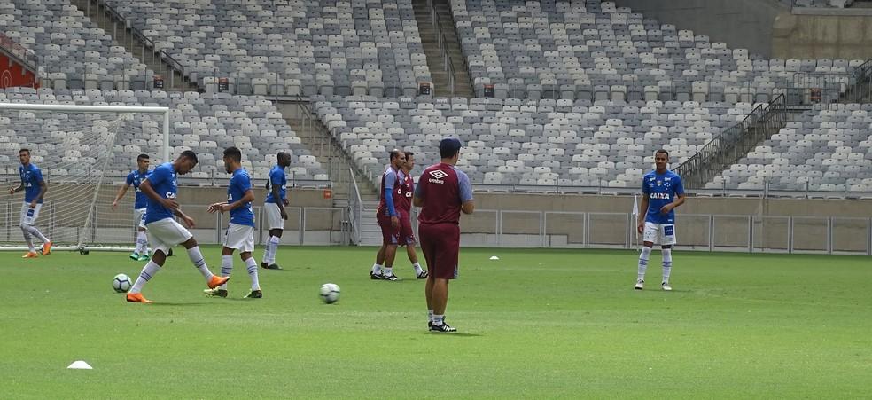 Atividade desta sexta-feira definiu o time que estreia no Brasileirão (Foto: Gabriel Duarte)