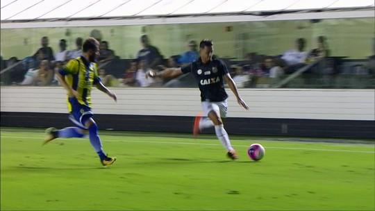 """Às vésperas da Libertadores, Jair exalta atuação do Santos: """"Avassalador"""""""