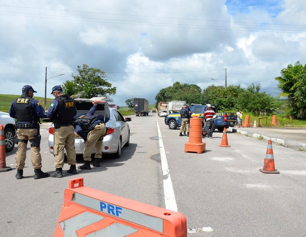 Ações de fiscalização da Polícia Rodoviária Federal fazem parte da Operação RodoVida (Foto: PRF/Divulgação)