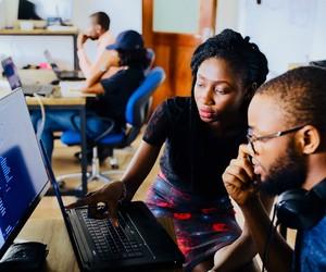 Dificuldade de acesso ao mercado de trabalho inspira empreendedores negros a criarem negócios