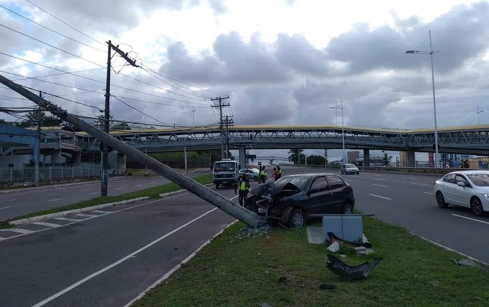 Equipe da Transalvador foi encaminhada ao local — Foto: Rildo de jesus/TV Bahia