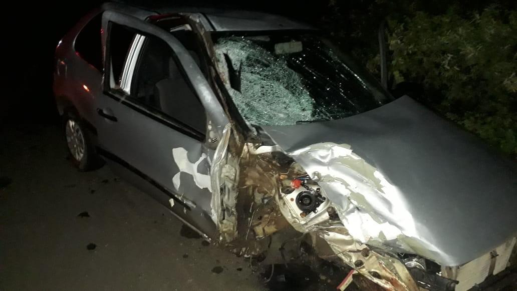 Acidente entre carro e moto deixa duas pessoas mortas em Arapiraca, AL