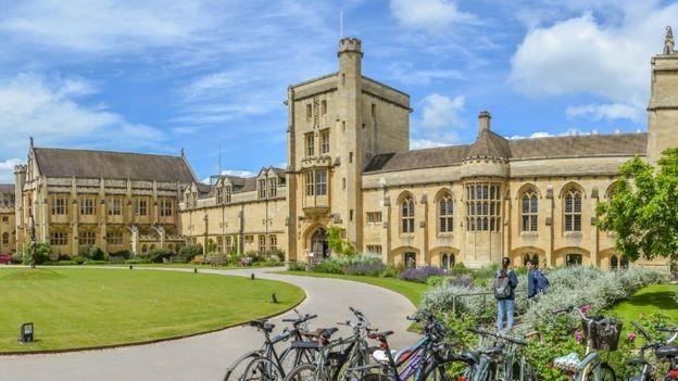 Hands fez faculdade na Mansfield College, na Universidade Oxford (Foto: GREG SMOLONSKI)