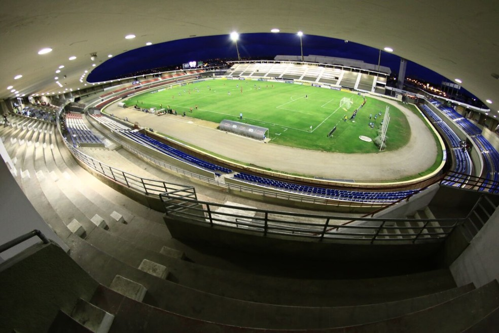 Estádio Rei Pelé continua fechado — Foto: Jonathan Lins/G1
