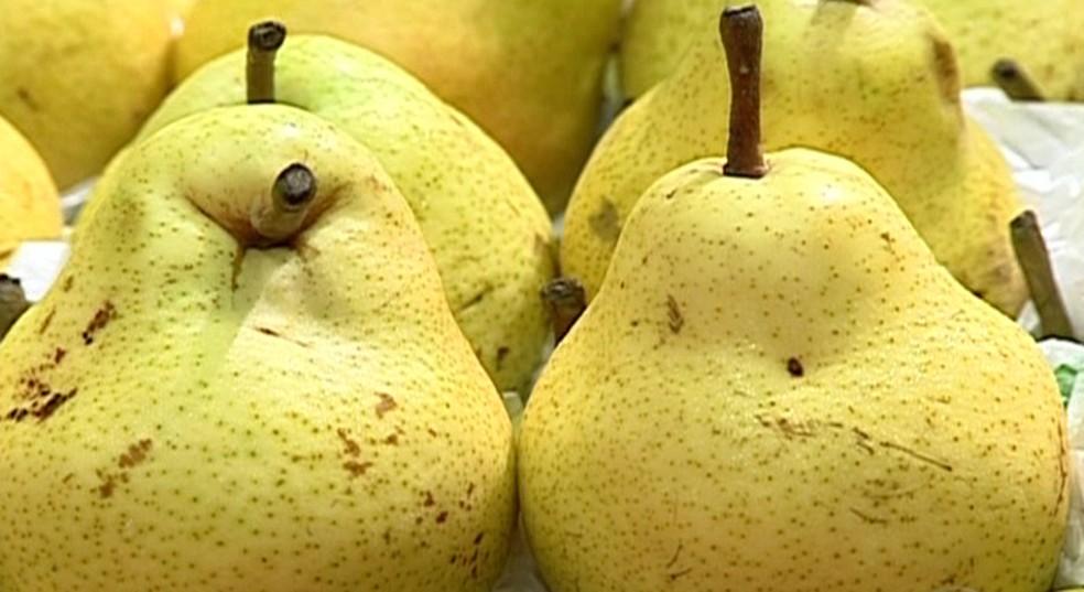 Produtores de pera do Vale do São Francisco começam a vender frutas para o mercado interno — Foto: TV Globo