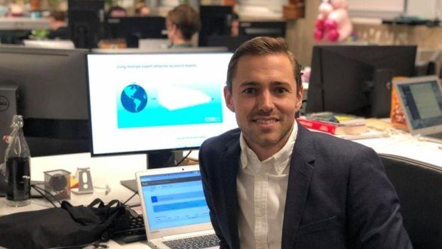 Max Friberg tirou uma licença de seu trabalho em uma consultoria, mas ainda tinha reservas, apesar da segurança de não ter deixado seu emprego (Foto: Reprodução/BBC News Brasil)