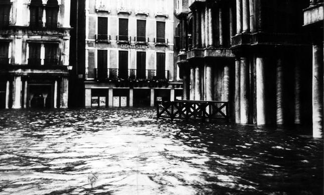 Em 1966, Veneza enfrentou sua pior inundação da história