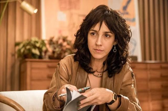 Camila Márdila é Amanda em 'Amor de mãe' (Foto: Reprodução)