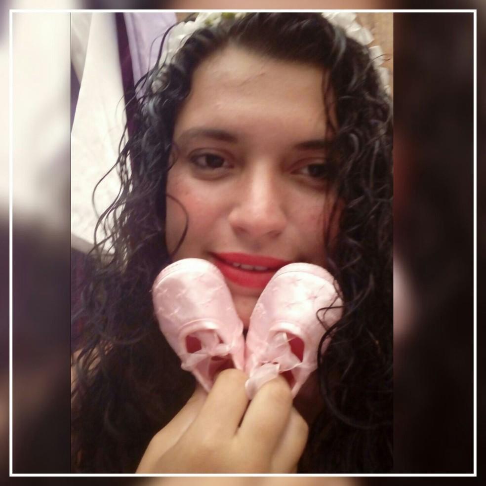 Beatriz Andreia ganhou chá de bebê dentro de ônibus no RJ (Foto: Arquivo pessoal/Beatriz Andreia)