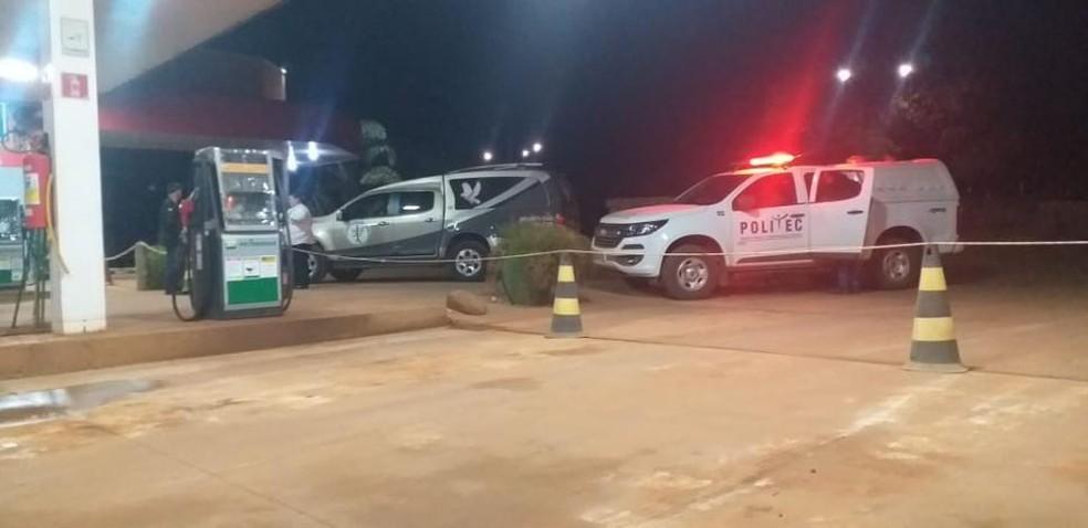 Frentista reagiu a um assalto na madrugada deste sábado (17) em um posto de combustível no Centro de Feliz Natal — Foto: O Fato