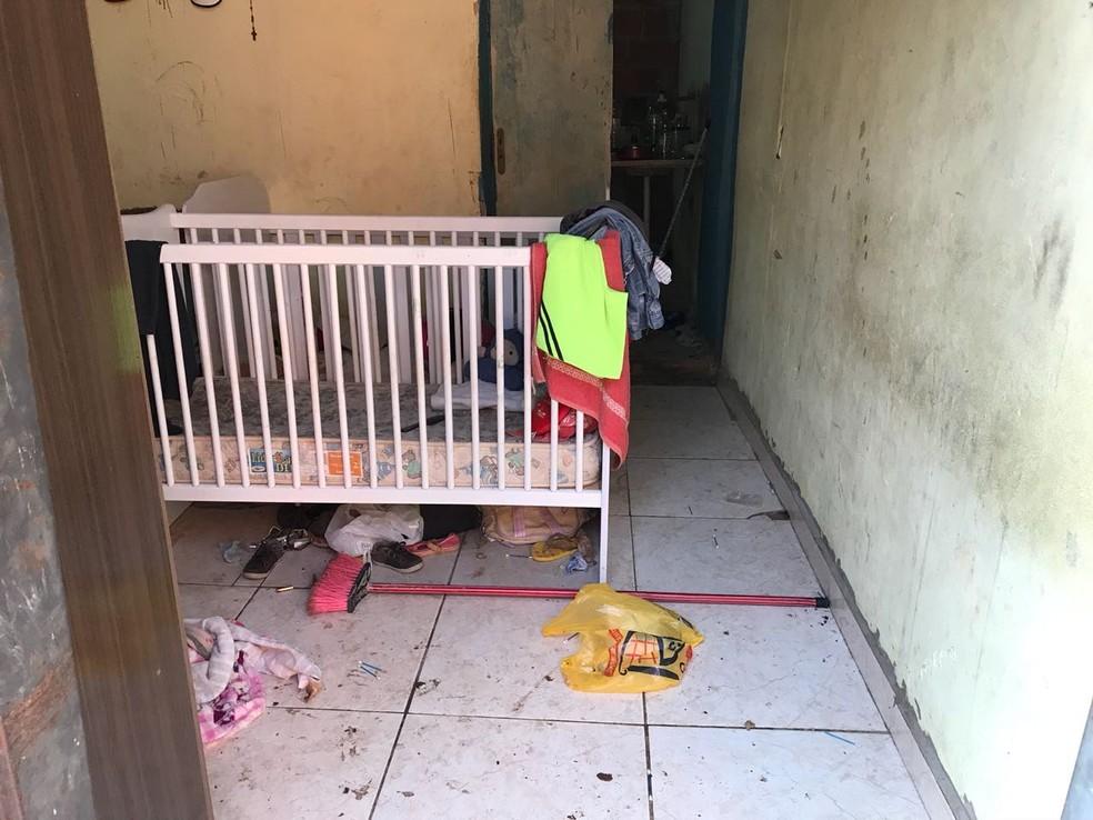 Casa onde a mulher e as crianças eram mantidas em cárcere foi encontrada em condições precárias de higiene  — Foto: Delegacia da Mulher/Divulgação