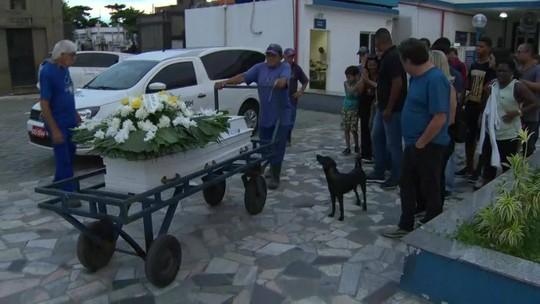 Mais três vítimas do desmoronamento na Muzema são enterradas