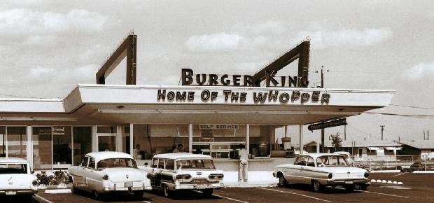 Fachada de unidade do Burger King no começo da história da empresa (Foto: Reprodução/Burger King)