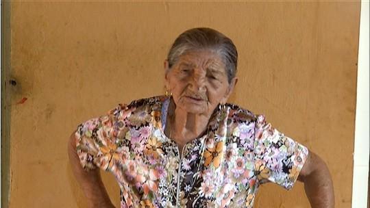Idosa de 101 anos impressiona pela disposição e boa memória