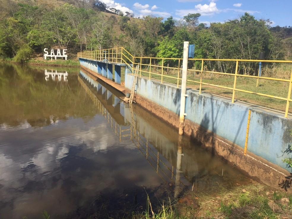 Problemas para captação de água afeta a cidade no período de estiagem (Foto: Saae/Divulgação)