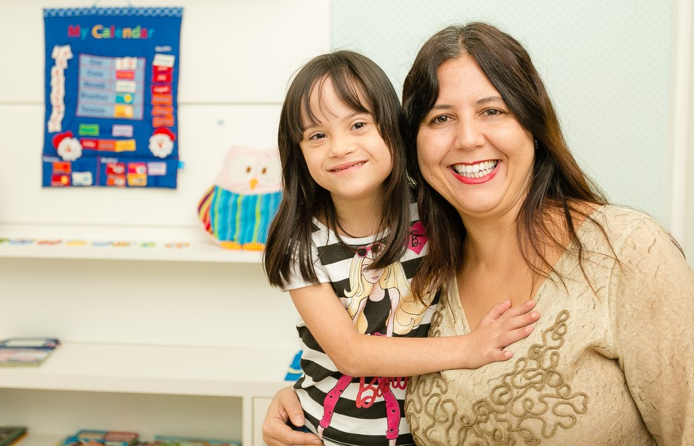 Letícia e a mãe Adriana Brocchi (Foto: Jorge Soares )