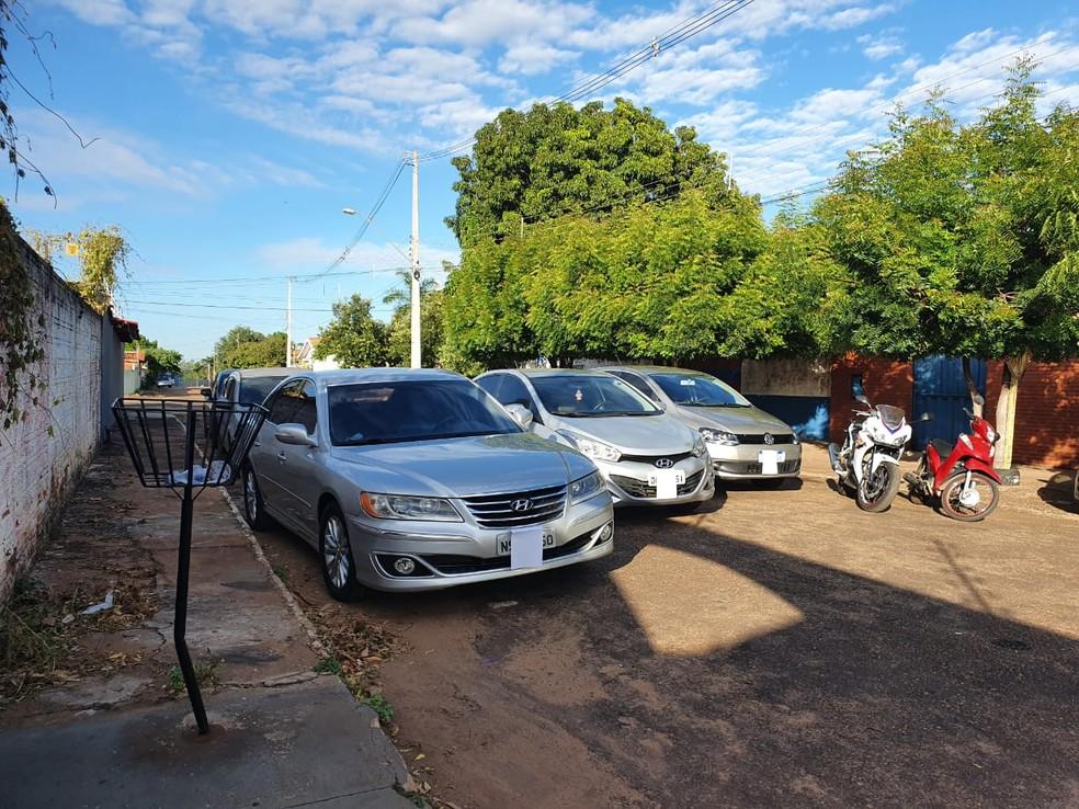 Veículos apreendidos durante a operação — Foto: Dennis Tavares/SSP/Divulgação