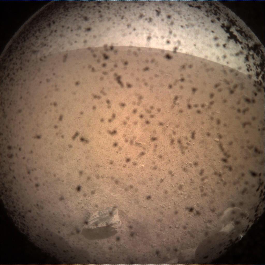 Primeira imagem de Marte feita pela sonda InSight (Foto: NASA/JPL-Caltech)