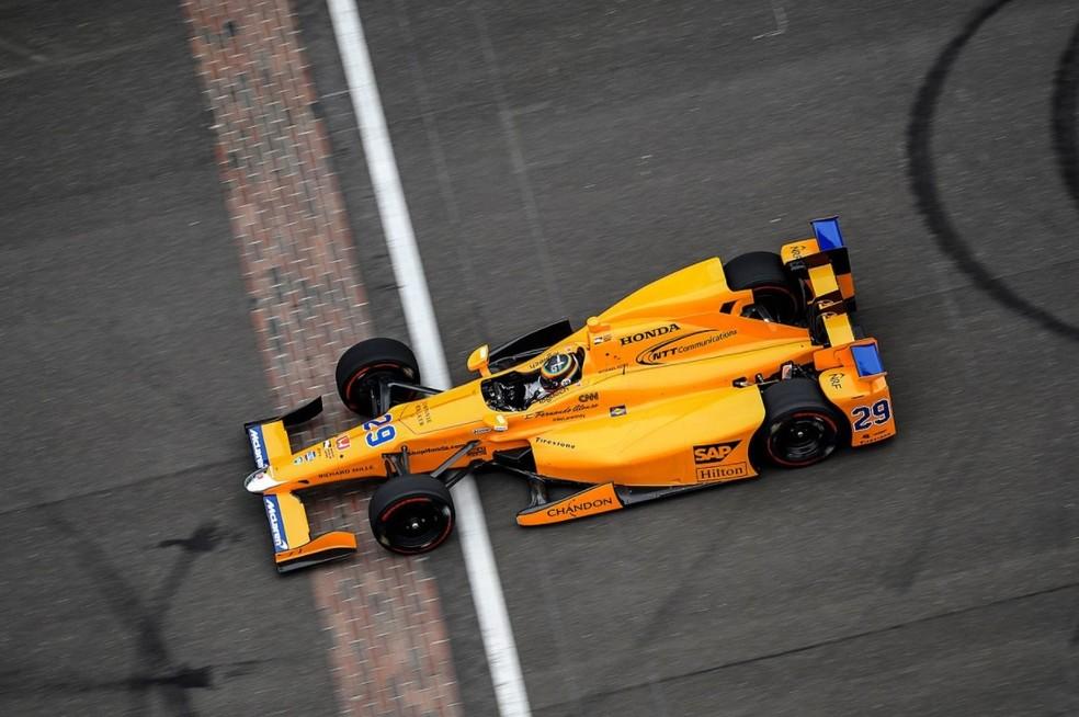 McLaren Andretti teve pintura laranja papaia (Foto: Reprodução/Twitter)