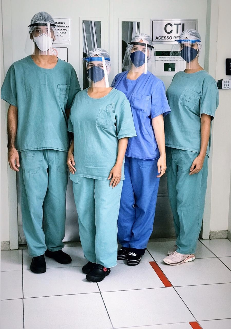 Grupo faz máscaras em impressão 3D e doa para hospitais; 'é hora de olhar para o lado e enxergar o que o outro precisa', diz fundador