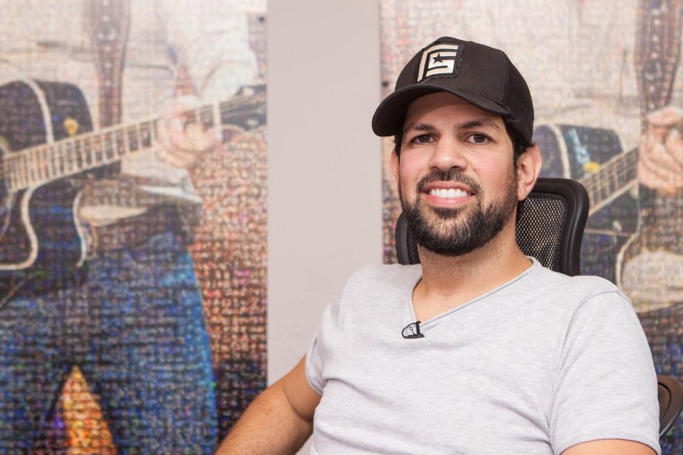 Sorocaba: Além de formar dupla com Fernando, cantor também é empresário da música (Foto: Celso Tavares/G1)