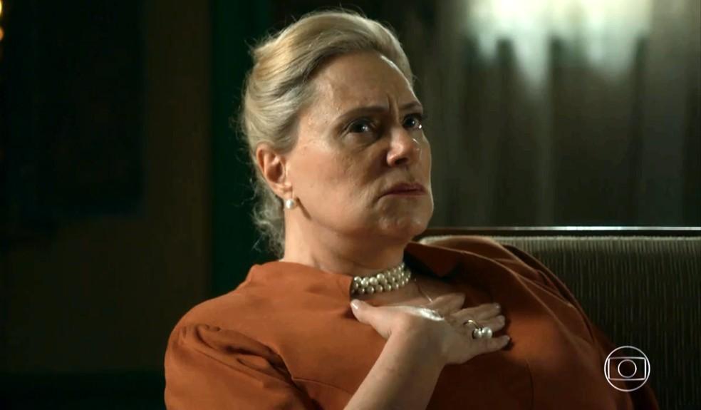 Mirtes (Elizabeth Savala) , em 'O Sétimo Guardião' — Foto: TV Globo