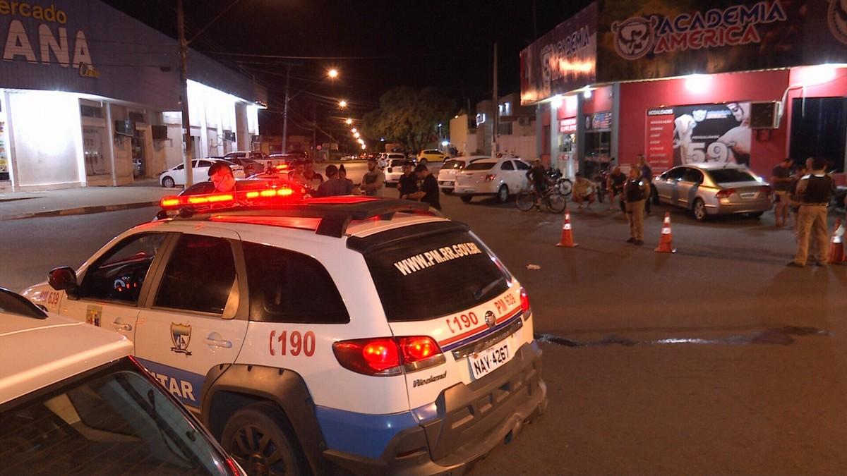 Motociclista quebra a perna após carro invadir preferencial e causar acidente em Boa Vista