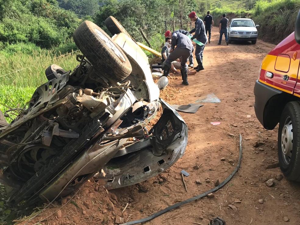 Apesar da gravidade do acidente, motorista teve apenas ferimentos leves (Foto: Edson Simões / Arquivo Pessoal)