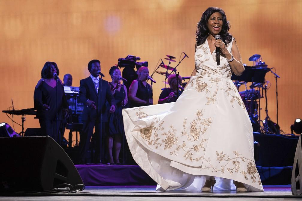 Aretha Franklin se apresenta na estreia de 'Clive Davis: The Soundtrack of Our Lives', durante o Festival de Cinema Tribeca 2017, em Nova York — Foto: Charles Sykes/Invision/AP/Arquivo