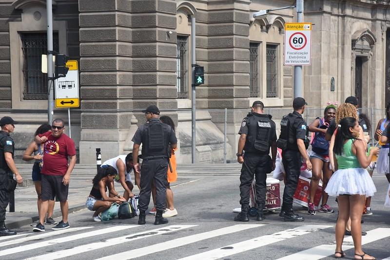 Carnaval do RJ em 2020 teve queda de 52% nos casos de roubo de rua em relação a 2019, diz PM
