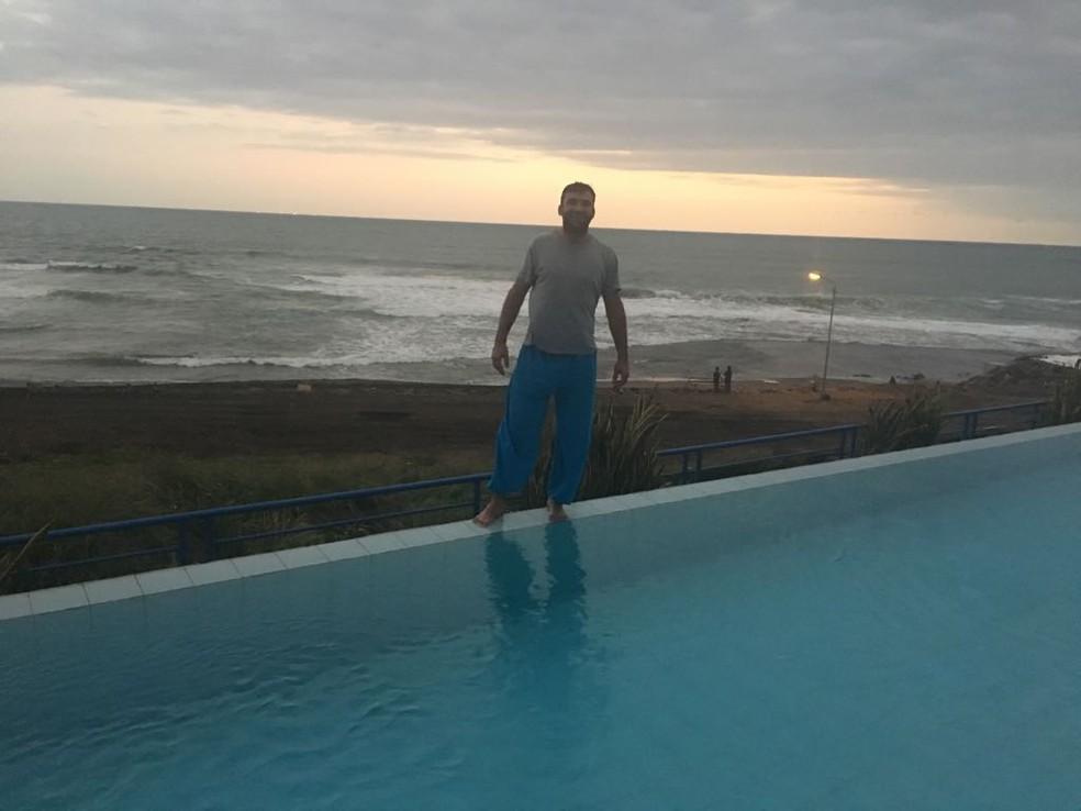 Advogado brasileiro estava em hotel à beira mar em Bali, na Indonésia, no momento do terremoto (Foto: Carlos Eduardo Calmon/Arquivo pessoal)