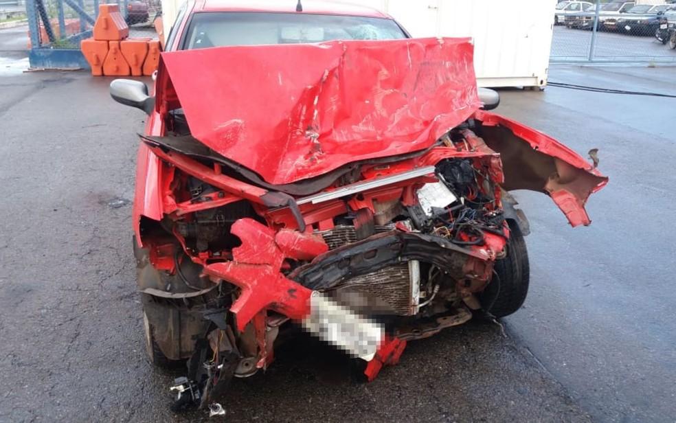 Motorista de Fiat Palio que teria causado acidente estaria bêbado (Foto: PRF/Divulgação)