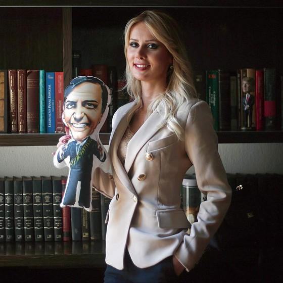 """A empresária Letícia Catelani diz não se sentir ofendida por declarações machistas de Bolsonaro: """"Não me vitimizo"""" (Foto: MARCOS ALVES/AGÊNCIA O GLOBO)"""