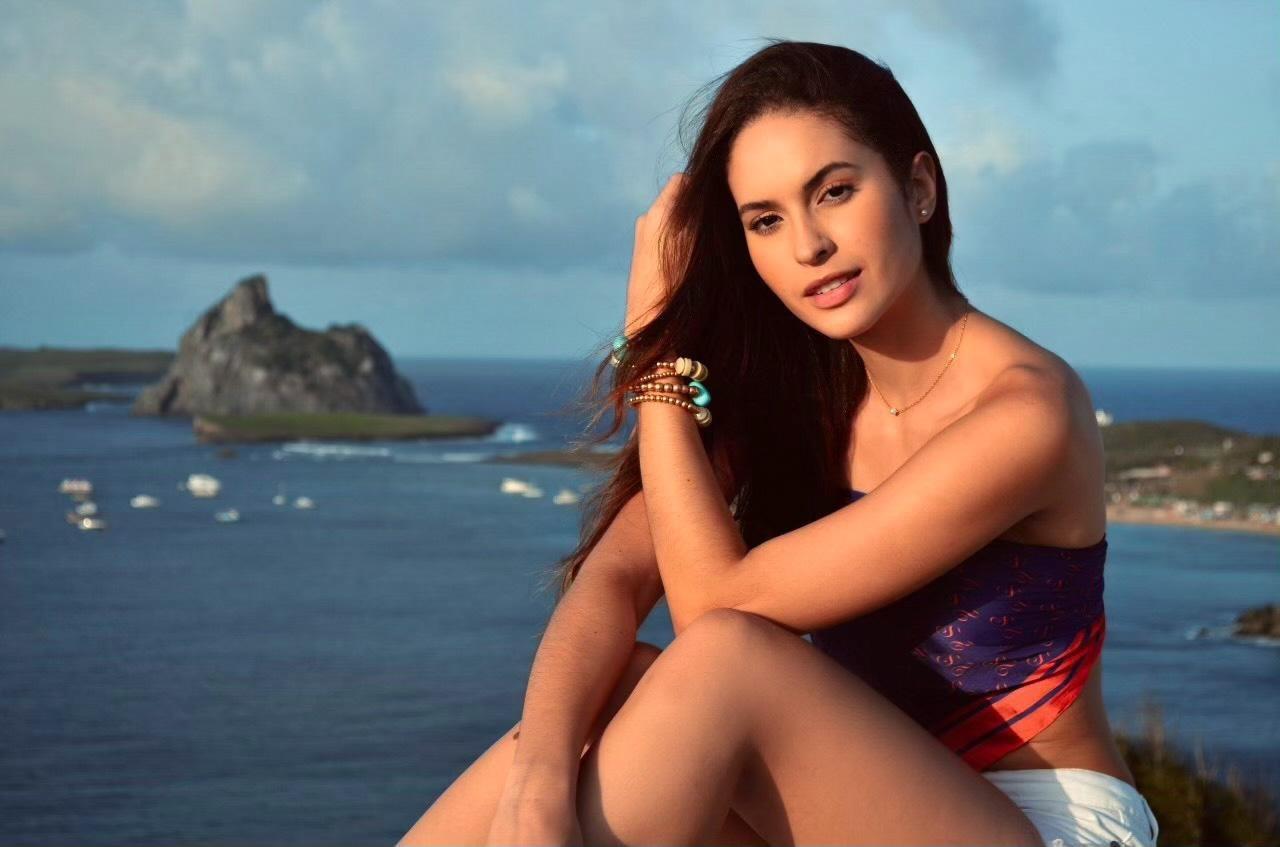 Miss Pernambuco 2020 visita Fernando de Noronha e produz fotos e vídeos para a disputa do Miss Brasil