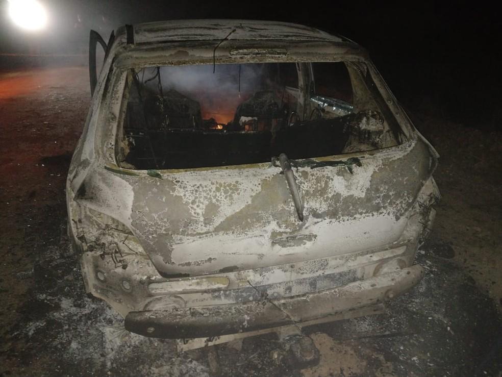 Polícia Civil suspeita que veículo é de mulher que está desaparecida desde a manhã de sexta-feira (27) — Foto: Polícia Civil/Divulgação