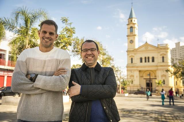 Mario Teixeira e Leonardo Nogueira nas gravações de 'O tempo não para' (Foto: João Miguel Júnior/ TV Globo)