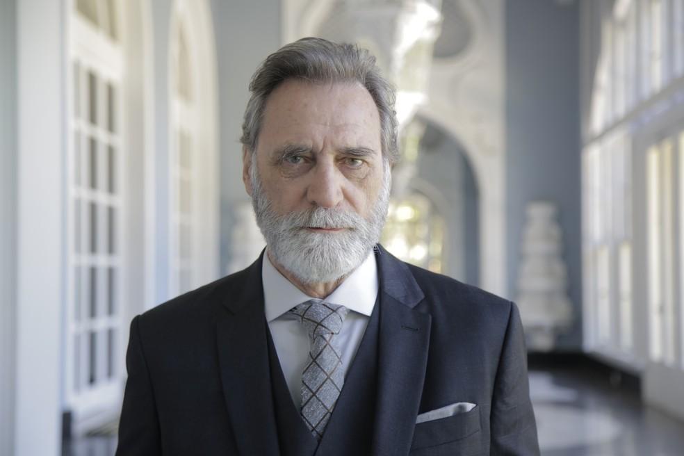 Herson Capri será Aziz Abdallah em 'Órfãos da Terra', a nova novela das 6. Na foto, o ator caracterizado — Foto:  Thais Caselli/Gshow
