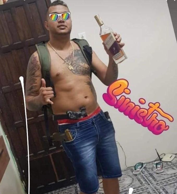 Adolescente de 16 anos é baleado dentro de casa e morre em ação da polícia contra traficante que ordenou ataques em Manaus