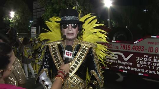 Mestre-sala e porta-bandeira da São Clemente incorporam Michael Jackson e Madonna