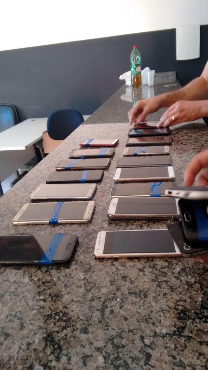 Polícia recupera 20 celulares furtados durante show no estacionamento de estádio - Notícias - Plantão Diário