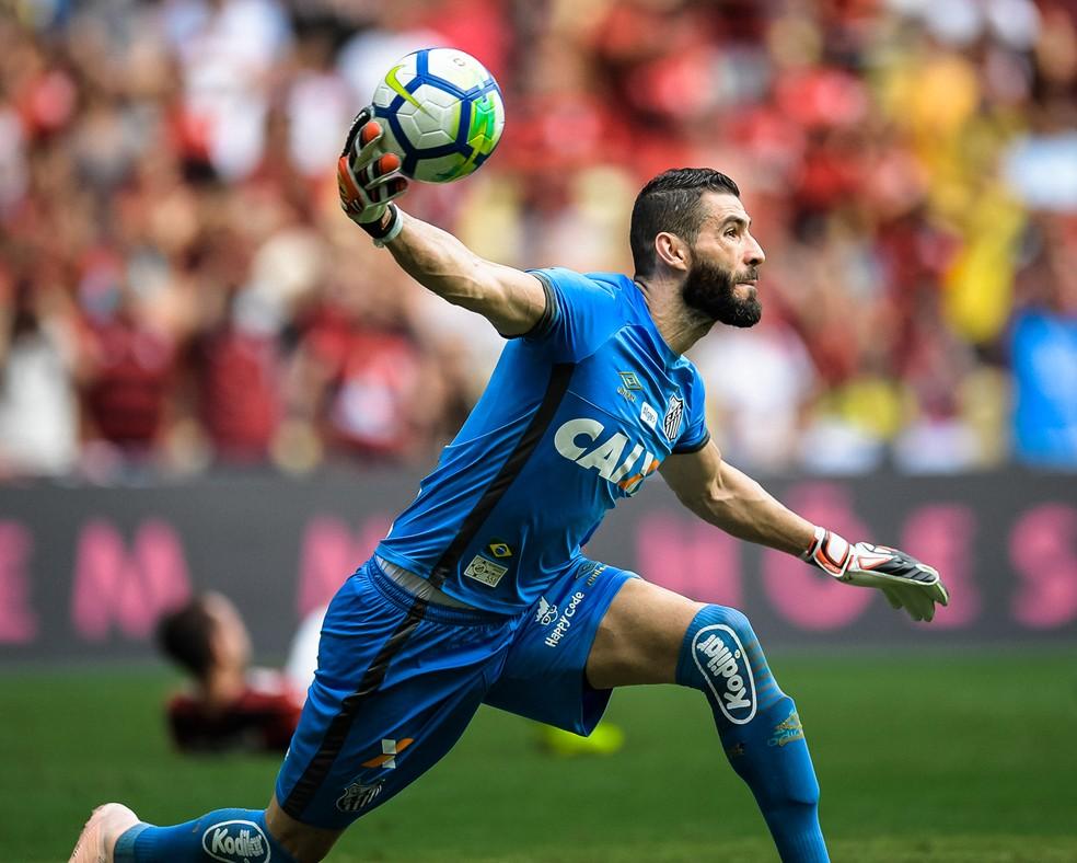 8cac13e77a Presidente do Santos diz que Flamengo quer Vanderlei e confirma ...