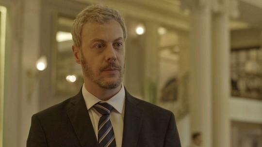 Douglas desconfia que Malagueta esteja envolvido no roubo