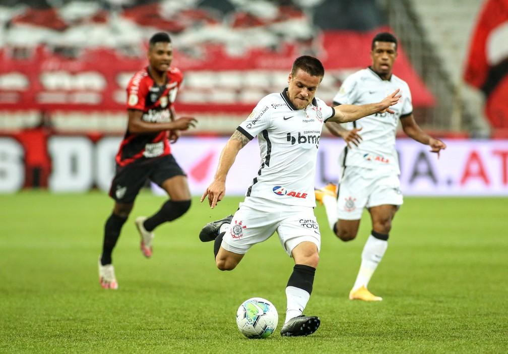 Ramiro e Bruno Méndez fora, Jô dúvida e retorno de três: veja como o Corinthians se prepara para o Flamengo