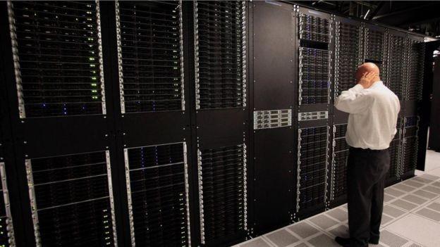 Análises de trabalho combinam software e metodologia para ler as informações relacionadas a funcionários (Foto: Getty Images via BBC)