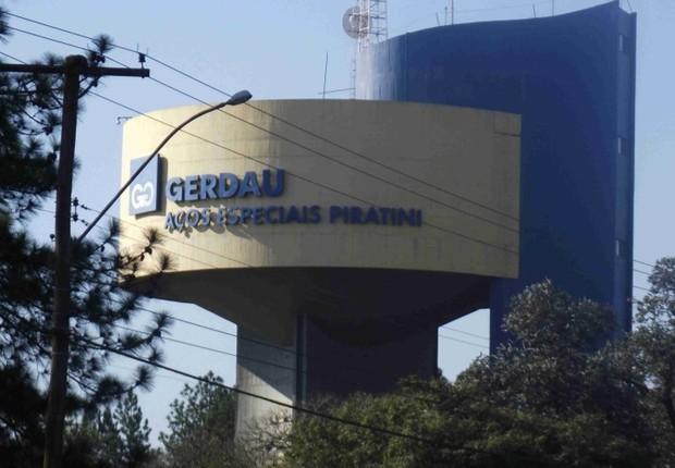 Unidade de produção de aço da Gerdau (Foto: Reprodução/YouTube)
