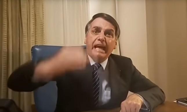 Bolsonaro, em live, fala de acusação de porteiro no caso Marielle