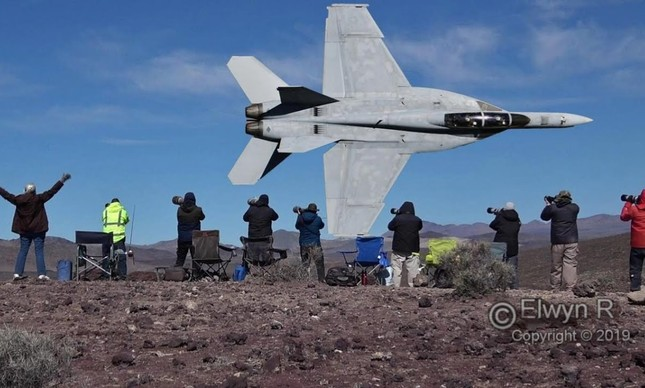 F-18 Hornet no Star Wars Canyon
