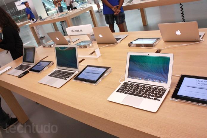Macs na Apple Store brasileira (Foto: Allan Melo / TechTudo)